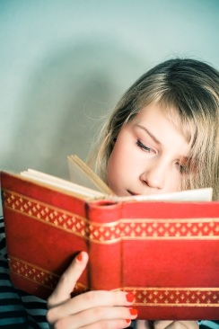 girl-with-books-s