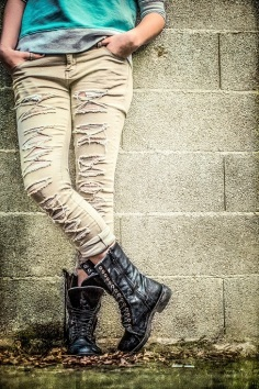 ripped jeans s