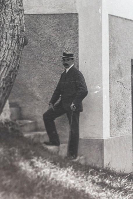 1900's (3)s