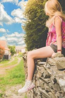 girl on wall s