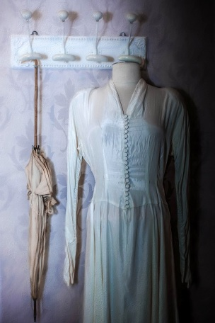 white dress s