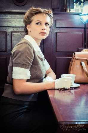 wartime girl