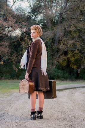 young girl in wartime s (12)