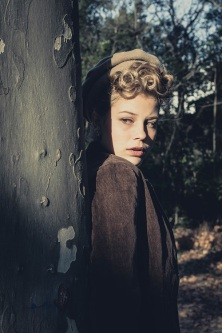 young girl in wartime s (13)