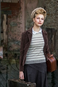 young girl in wartime s (15)