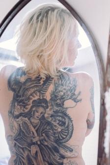 older tattoed woman