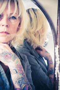 older tattoed woman