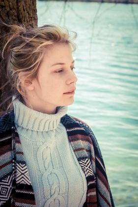 girl by lake s (7)