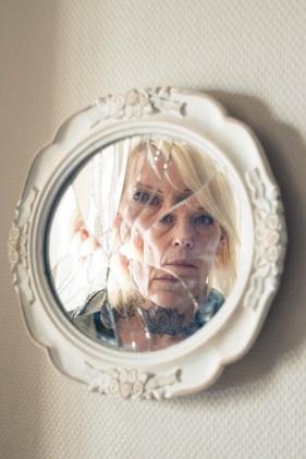 woman in broken mirror s (6)